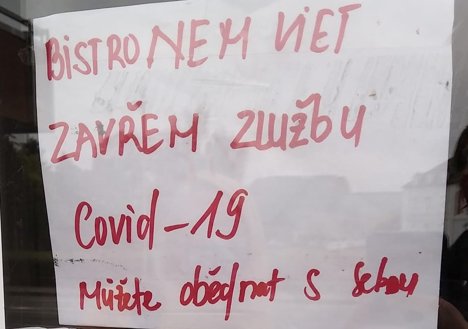 Covid-19 s sebou